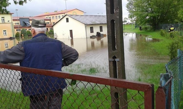 Powiat kolbuszowski po ulewnych deszczach. Ulice i gospodarstwa zalane [FOTO WIDEO] - Zdjęcie główne