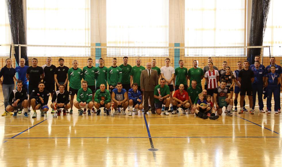 Zawodnicy tarnobrzeskiej Siarki wygrali rozegrany w Cmolasie Otwarty Turniej z okazji 100. rocznicy odzyskania przez Polskę niepodległości - Zdjęcie główne