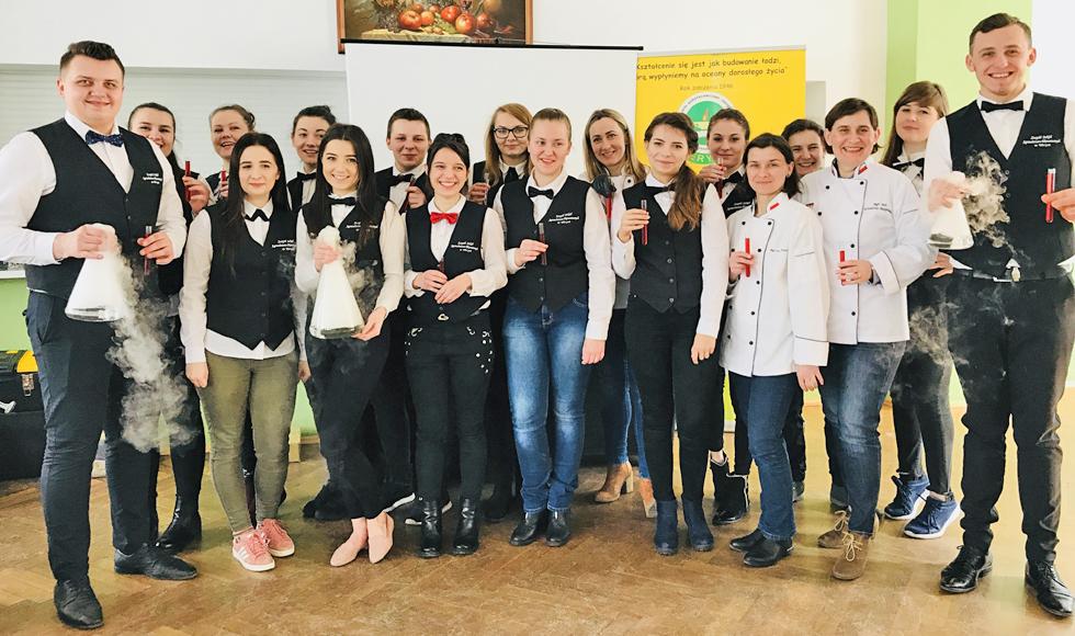 Laboratorium w kuchni - czyli tak gotują uczniowie z ZSAE w Weryni  - Zdjęcie główne