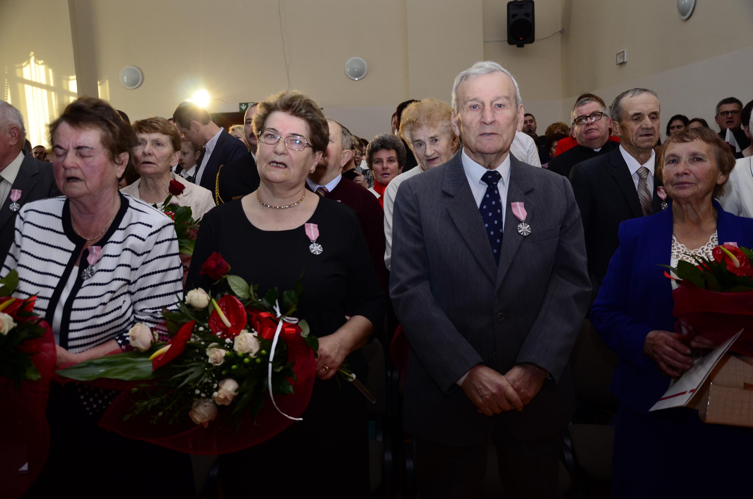 Czternaście par z terenu gminy Majdan Królewski obchodziło w tym roku złoty jubileusz pożycia małżeńskiego [ZDJĘCIA] - Zdjęcie główne