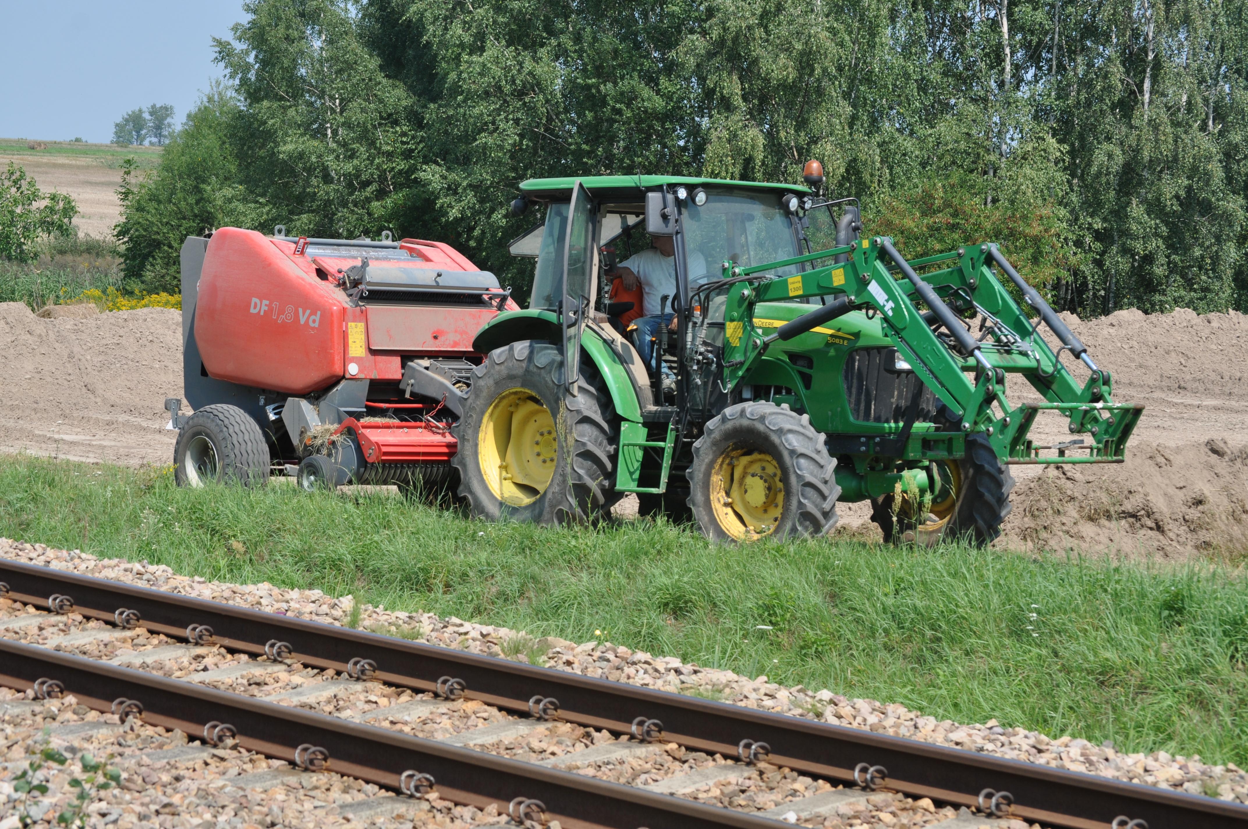 Raniżowski samorząd, po dwóch nieudanych próbach, wybrał firmę, która dostarczy jej traktor rolniczy - Zdjęcie główne