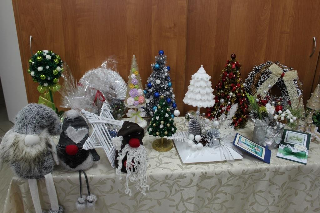 W najbliższą niedzielę, odbędzie się w Mazurach kiermasz bożonarodzeniowy. Do kupienia będą m.in. pierniczki, stroiki i bombki - Zdjęcie główne