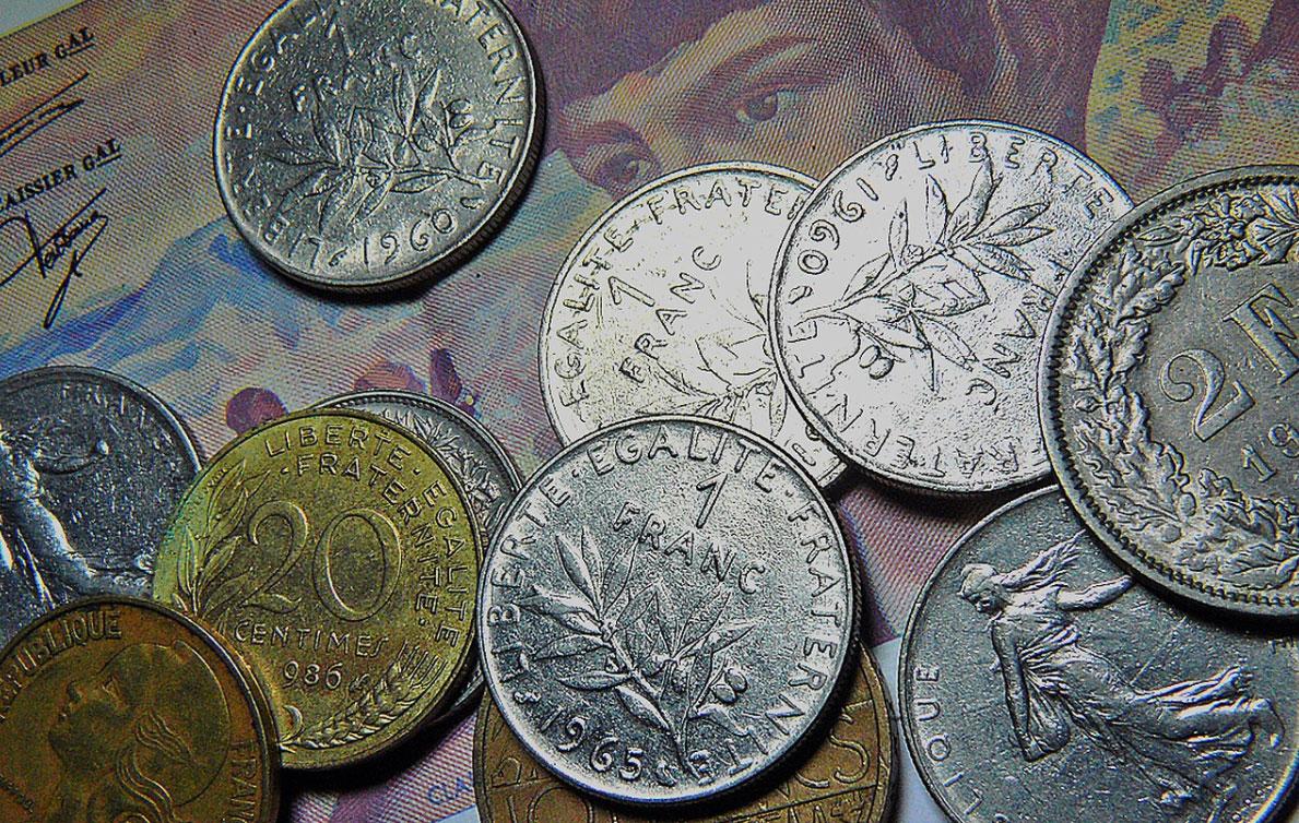 Masz kredyt we frankach i zadajesz sobie pytanie, czy warto pozwać bank i jak zacząć taką sprawę? - Zdjęcie główne