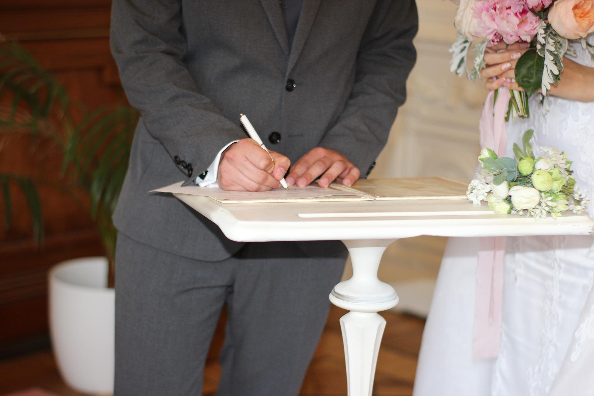Co ze ślubami? Kuria wydała oświadczenie  - Zdjęcie główne