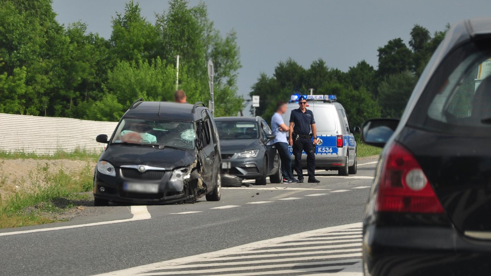 Zderzenie trzech samochodów w Kupnie [ZDJĘCIA] - Zdjęcie główne