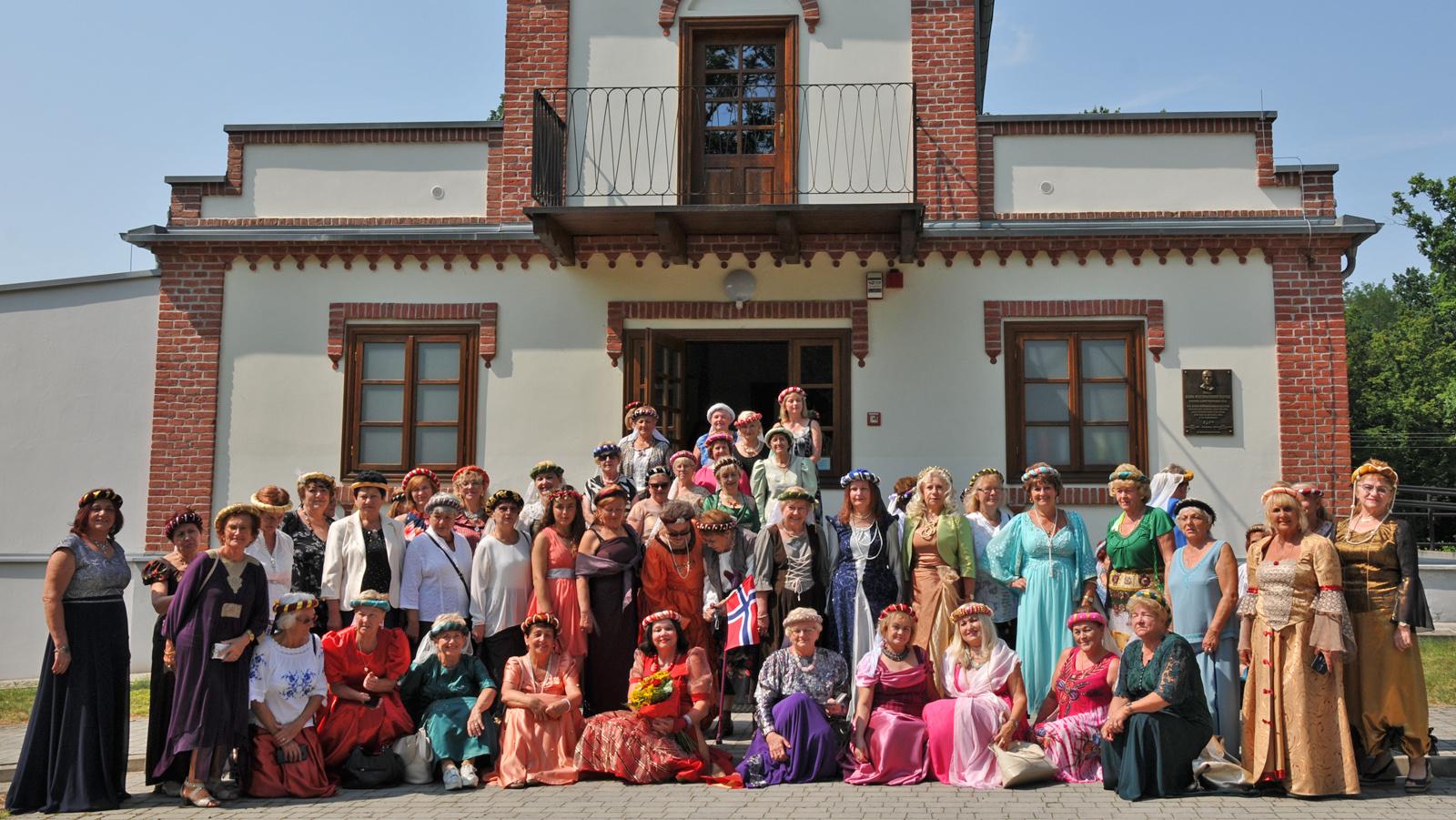 Krystyny zjechały do Huty Komorowskiej na IX Podkarpackie Imieniny Krystyn 2021 [ZDJĘCIA - WIDEO] - Zdjęcie główne