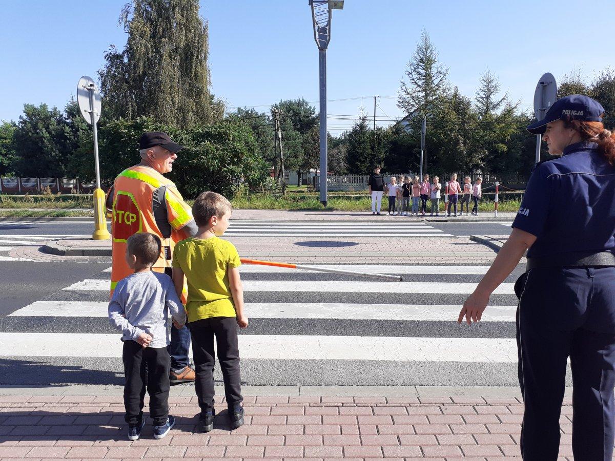 Kolbuszowscy policjanci o bezpieczeństwie [ZDJĘCIA] - Zdjęcie główne