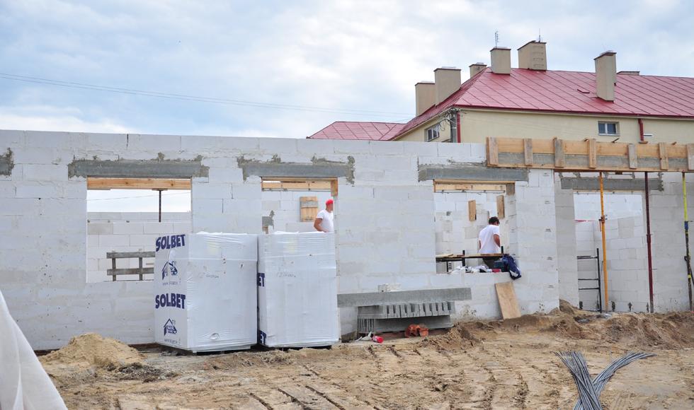 Gmina Dzikowiec. Trwają prace przy budowie klubu dziecięcego w Lipnicy - Zdjęcie główne