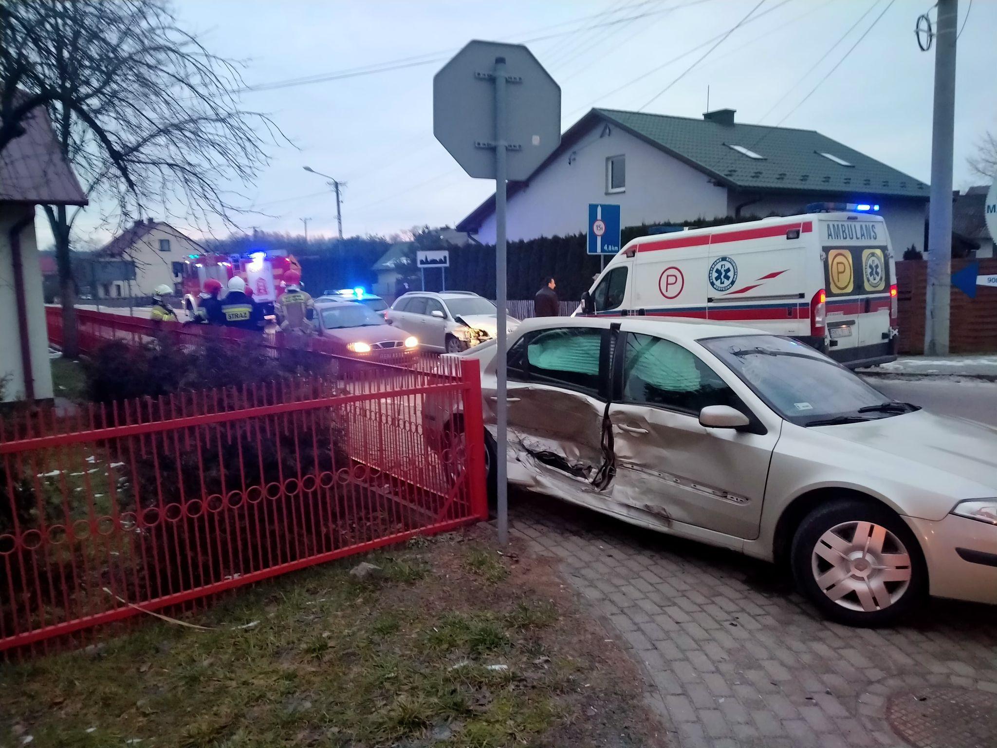 Kolizja dwóch samochodów w Przyłęku  - Zdjęcie główne