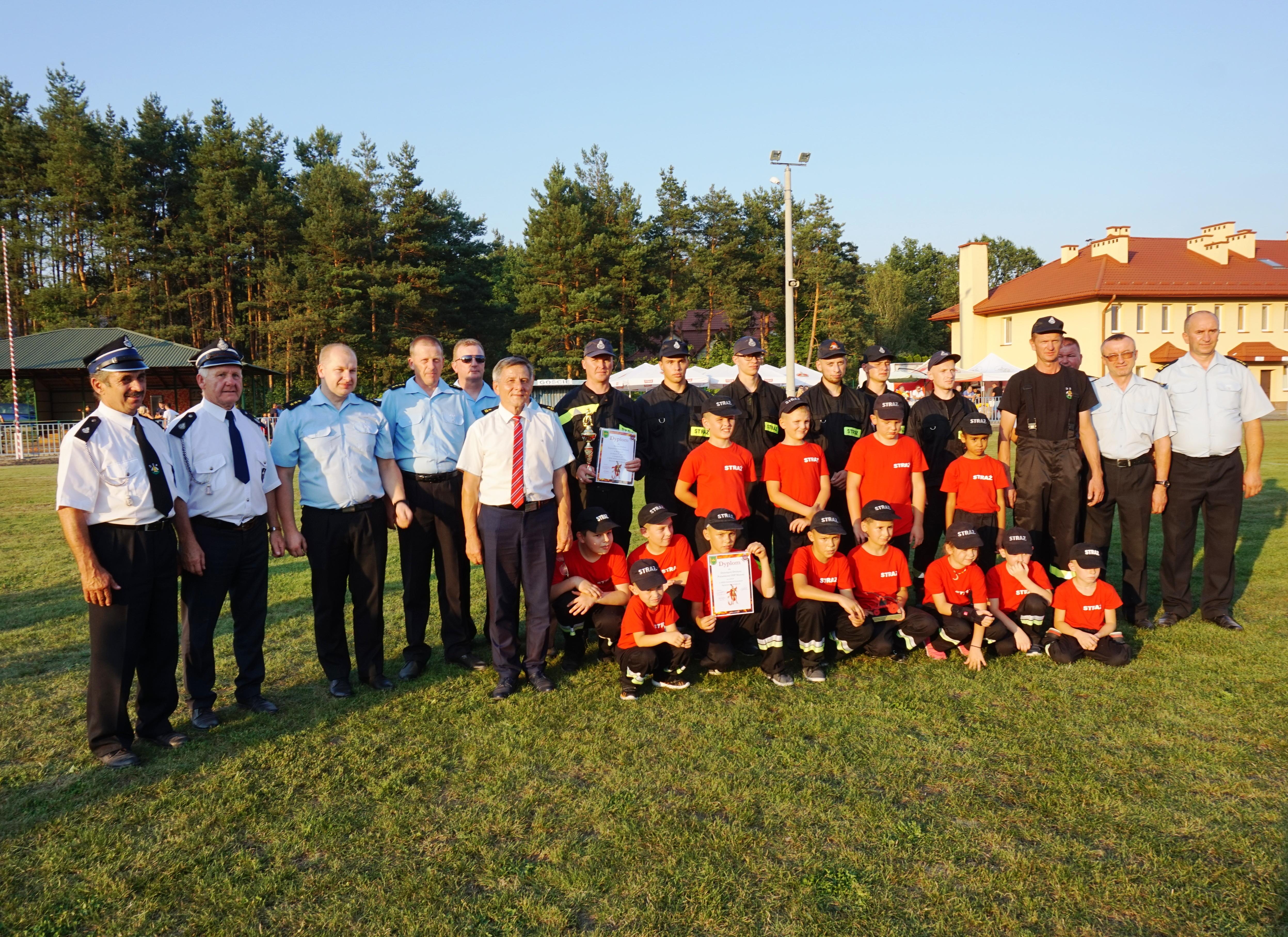 Druhowie ze Staniszewskiego wygrali zawody strażackie [ZDJĘCIA] - Zdjęcie główne