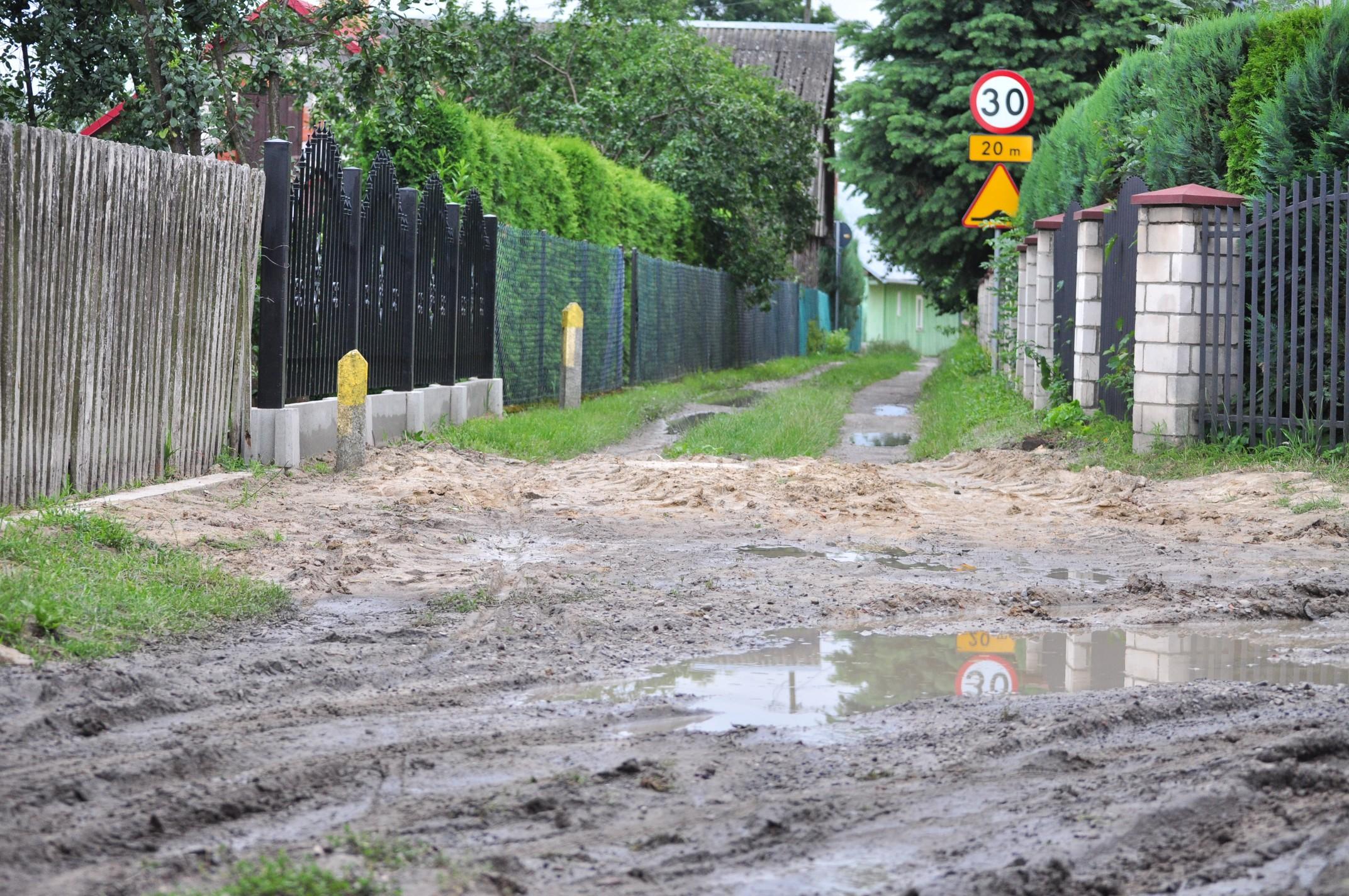 Gmina Raniżów. Remont drogi przeszkadza w codziennym funkcjonowaniu - skarży się Czytelniczka - Zdjęcie główne