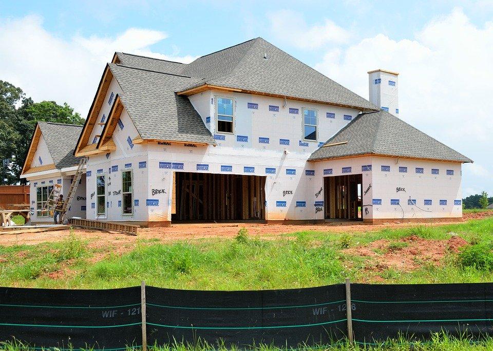 Budujesz dom metodą gospodarczą? Sprawdź, co musisz zapewnić sobie i pracownikom - Zdjęcie główne