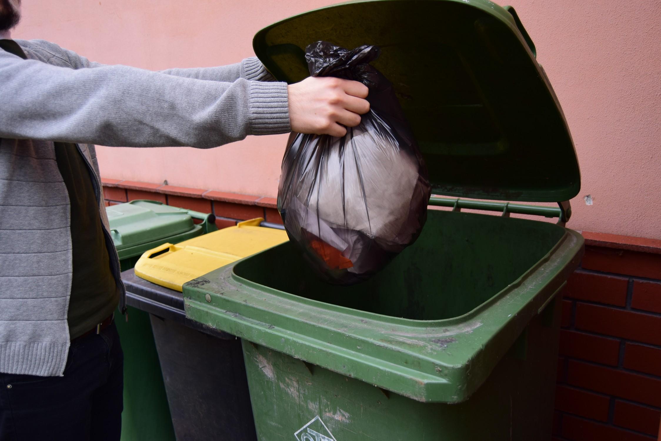 Gmina Majdan Królewski. Otwarcie przetargu na odbiór i zagospodarowanie odpadów komunalnych - Zdjęcie główne