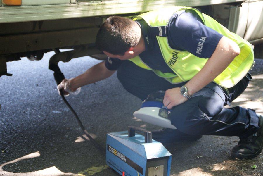 Z PODKARPACIA: Policjanci skontrolowali ponad 1400 pojazdów. Zatrzymali 11 dowodów rejestracyjnych - Zdjęcie główne
