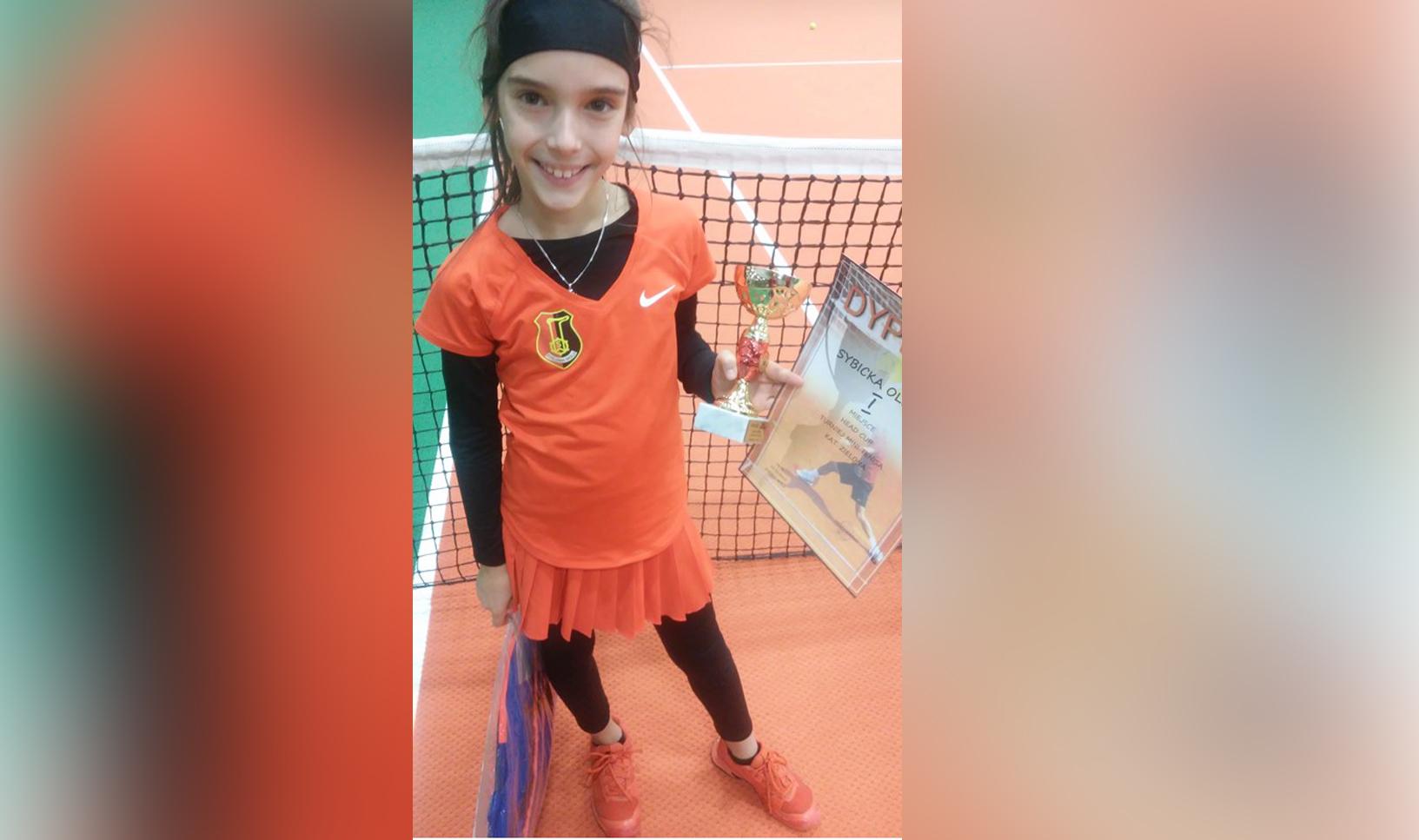 Utalentowana tenisistka MKT Stalowa Wola, Oliwia Sybicka, wygrała kolejny mocny turniej - Zdjęcie główne