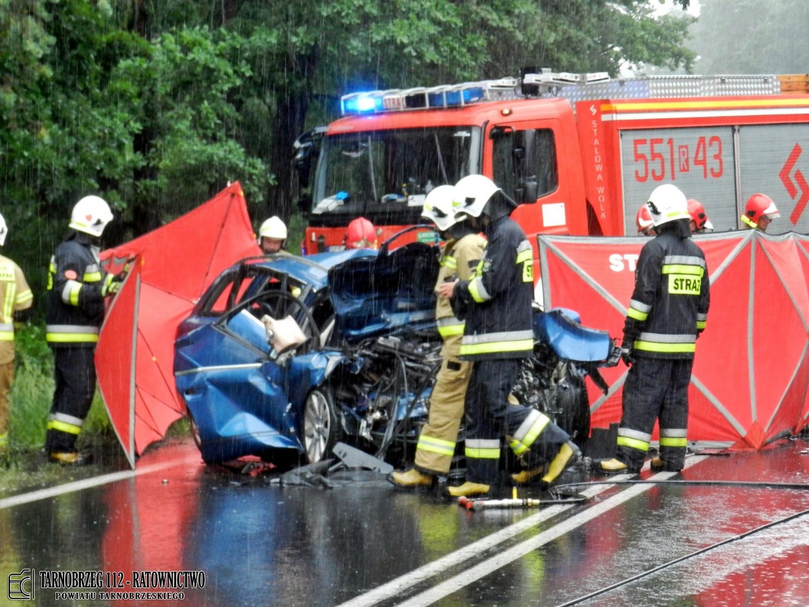 Podkarpacie: Tragedia na drodze. Nie żyje małżeństwo [ZDJĘCIA] - Zdjęcie główne