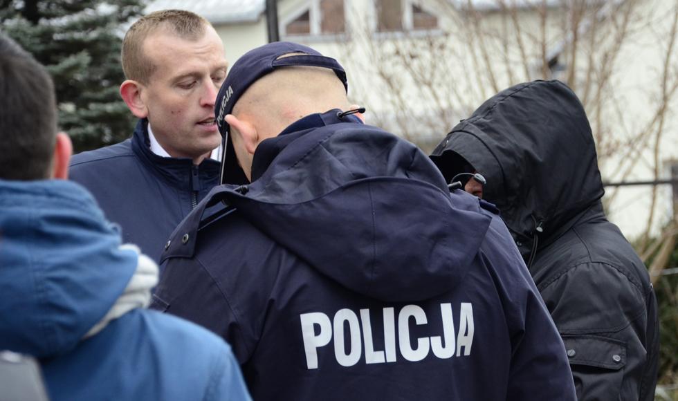 """ZOBACZ WIDEO: """"Pogoń"""" za funkcjonariuszem w cywilu ulicami Kolbuszowej. Tomasz Buczek: - Policyjny patrol nie chciał poddać próbie badania tego pana na zawartość alkoholu  - Zdjęcie główne"""