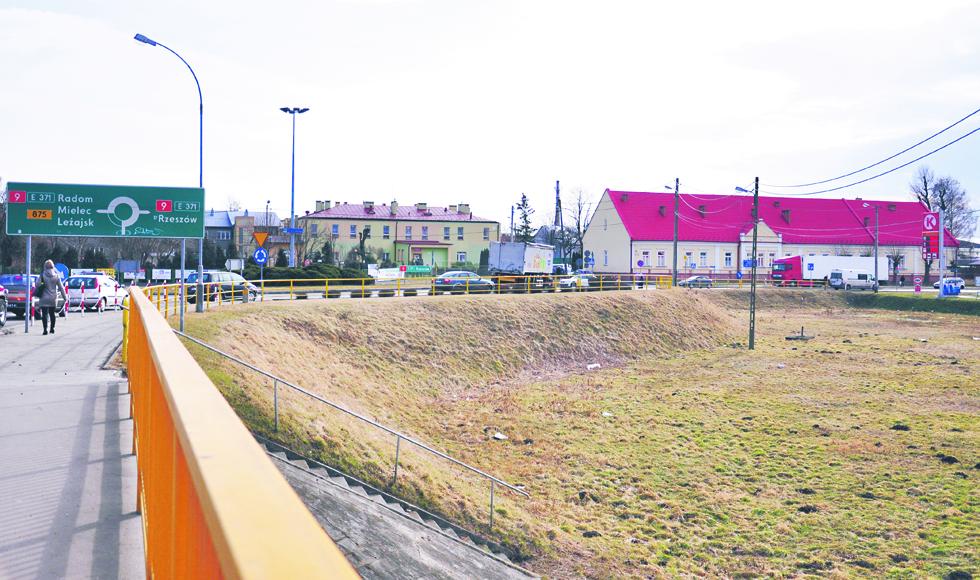 Parking wielopoziomowy w Kolbuszowej. Nowy pomysł władz miasta - Zdjęcie główne