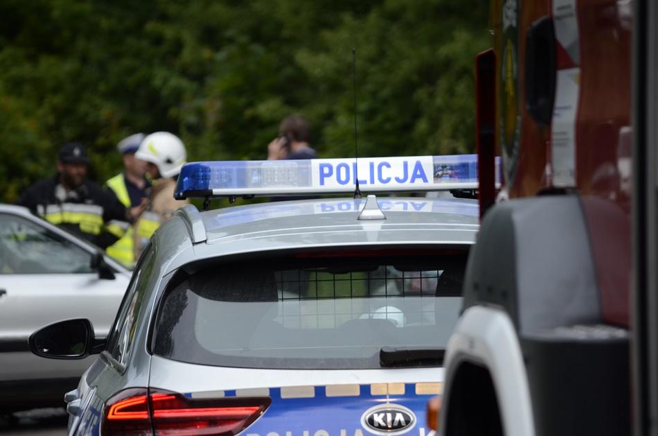 Wypadek w Świerczowie. Droga może być zablokowana przez dłuższy czas [ZDJĘCIA-WIDEO]  - Zdjęcie główne