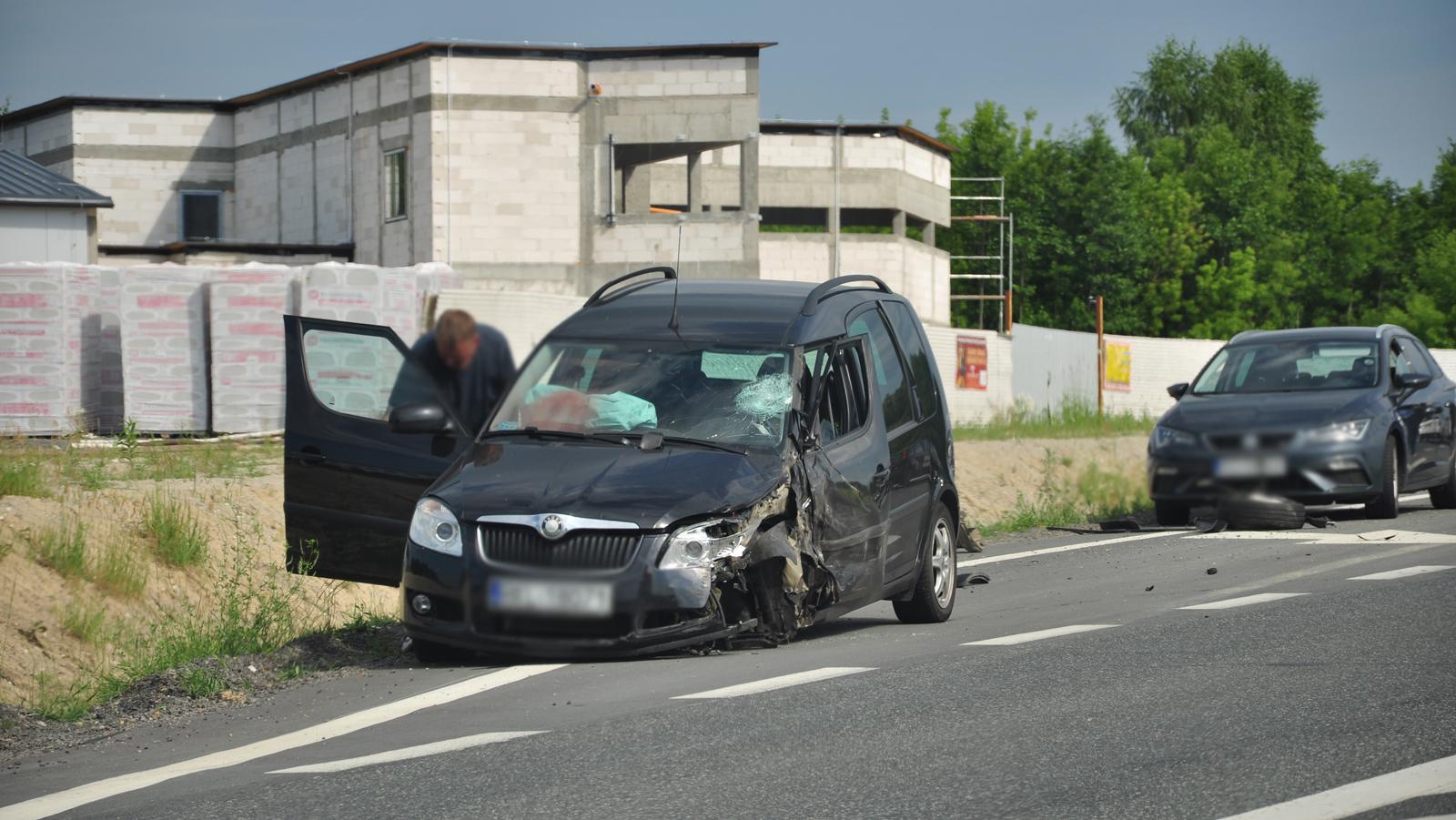 Trzy rozbite auta. Policja o wtorkowym wypadku w Kupnie  - Zdjęcie główne