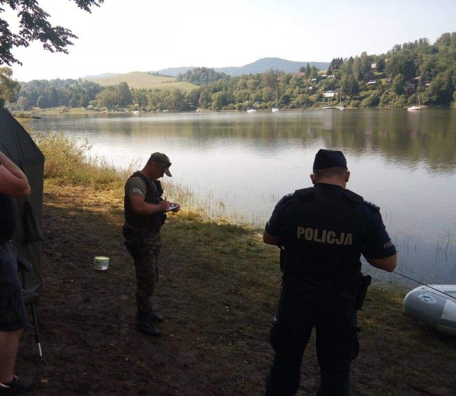 Mężczyzna kłusował na jeziorze - trafił do więzienia na 3 lata - Zdjęcie główne