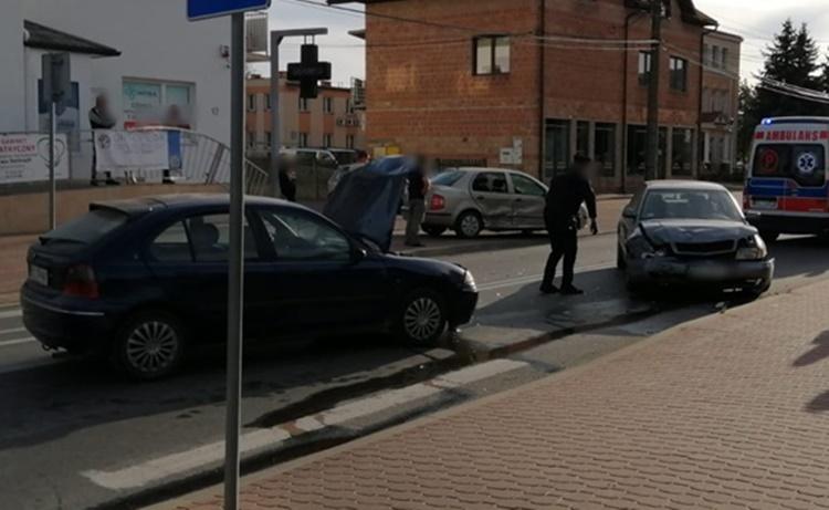 Kraksa trzech samochodów w Kolbuszowej [FOTO] - Zdjęcie główne