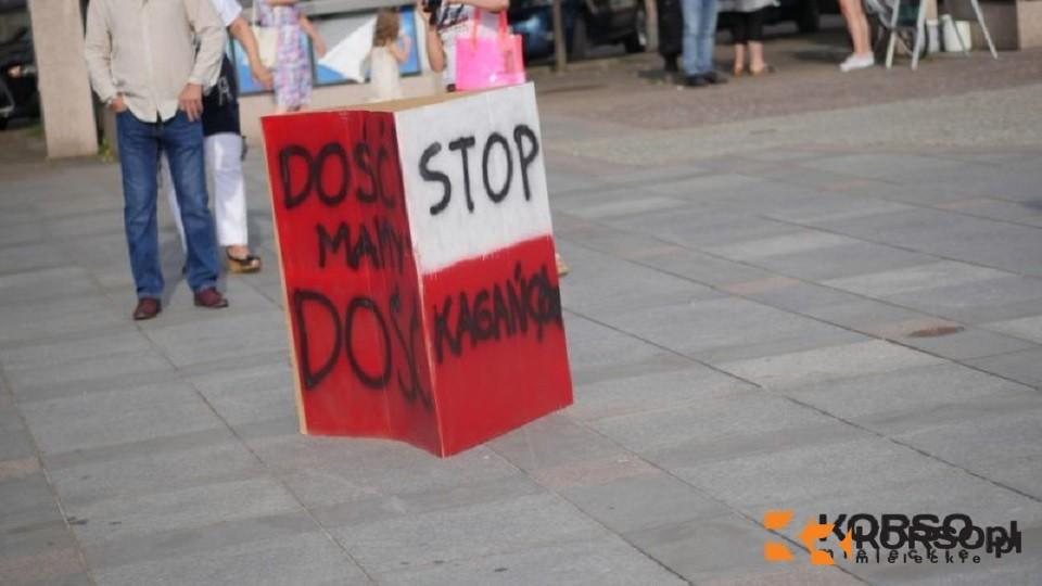 Mielecki protest przeciwko obostrzeniom. Mają rację?  - Zdjęcie główne