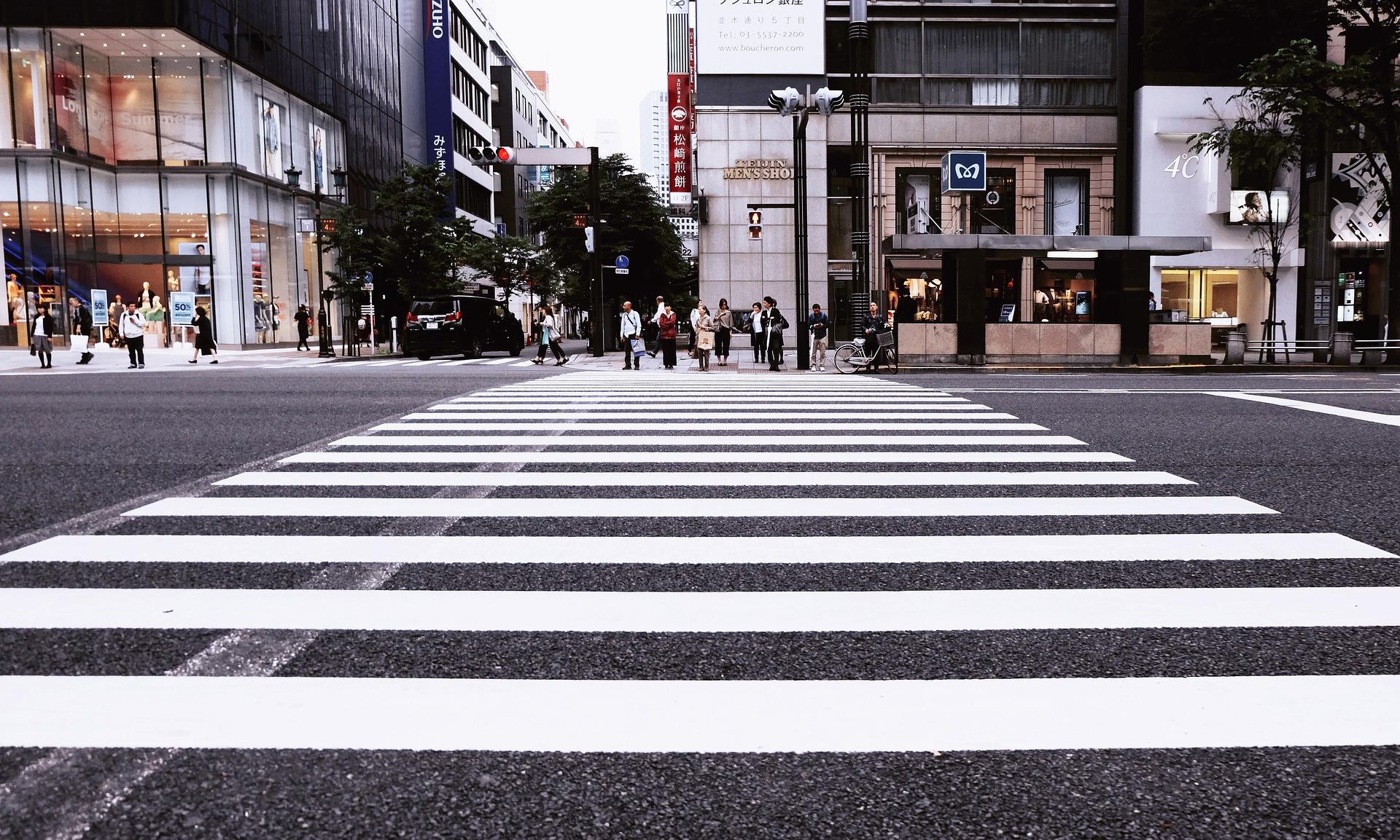Zmiana przepisów ruchu drogowego. Piesi będą mieć pierwszeństwo - Zdjęcie główne