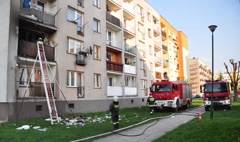 Pożar w bloku w Kolbuszowej. Paliło się na pierwszym piętrze  - Zdjęcie główne
