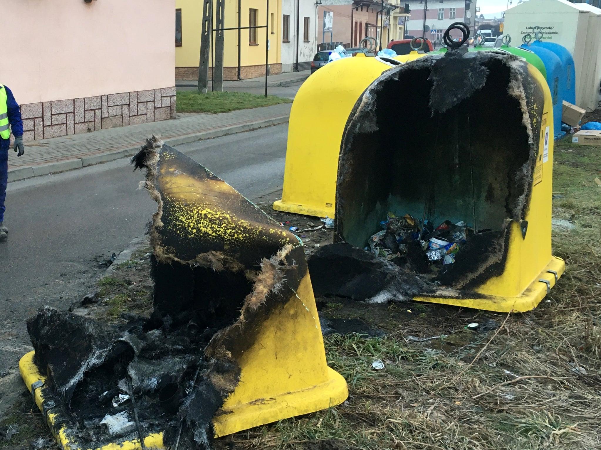 Z regionu. Wandale spalili kosze w Sylwestra - Zdjęcie główne