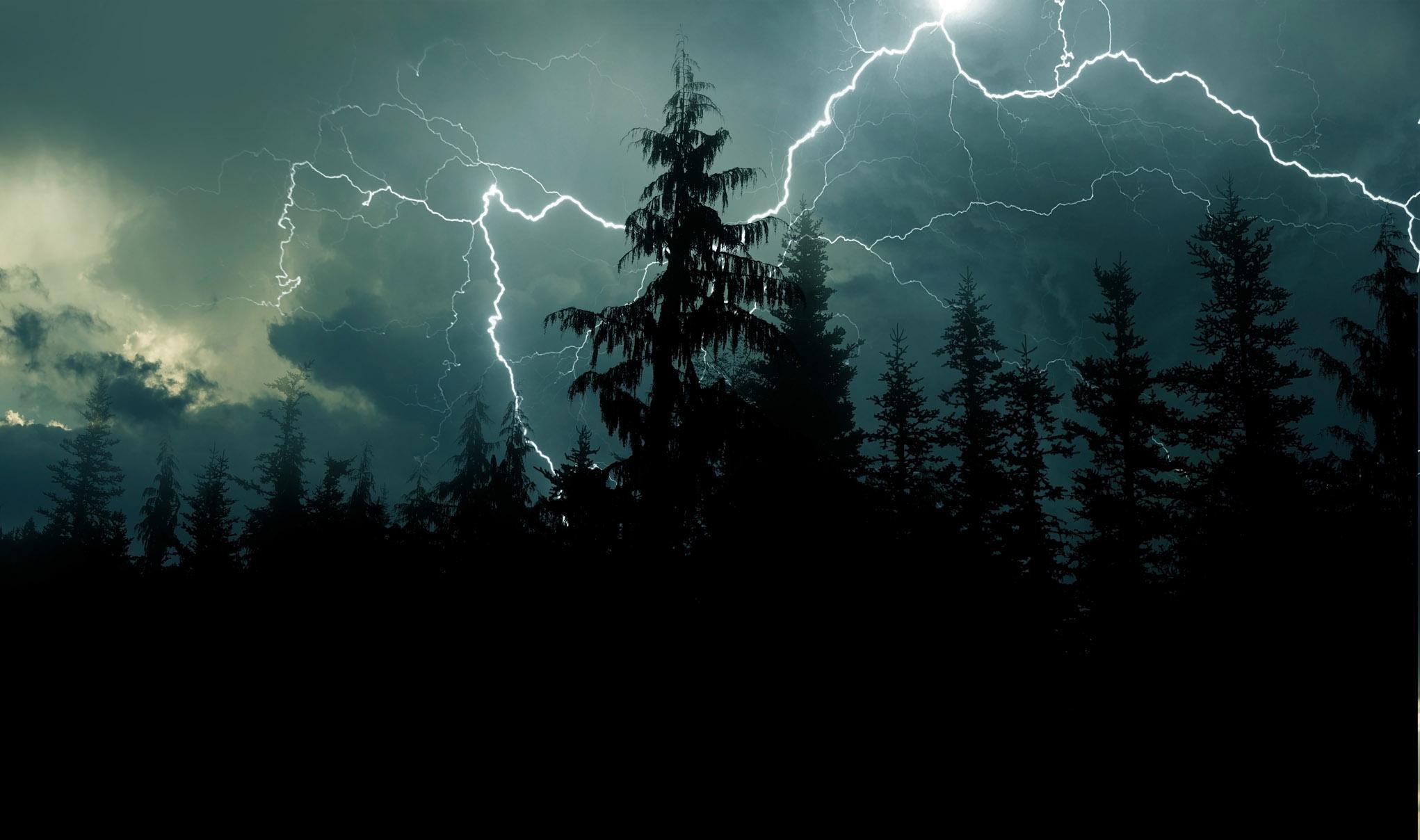Pogoda Kolbuszowa. Nadciągają burze. Wydano alert drugiego stopnia  - Zdjęcie główne