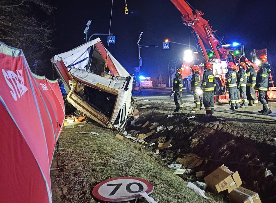 Przerażające zdjęcia z wypadku. Nie żyje młody mieszkaniec Podkarpacia  - Zdjęcie główne