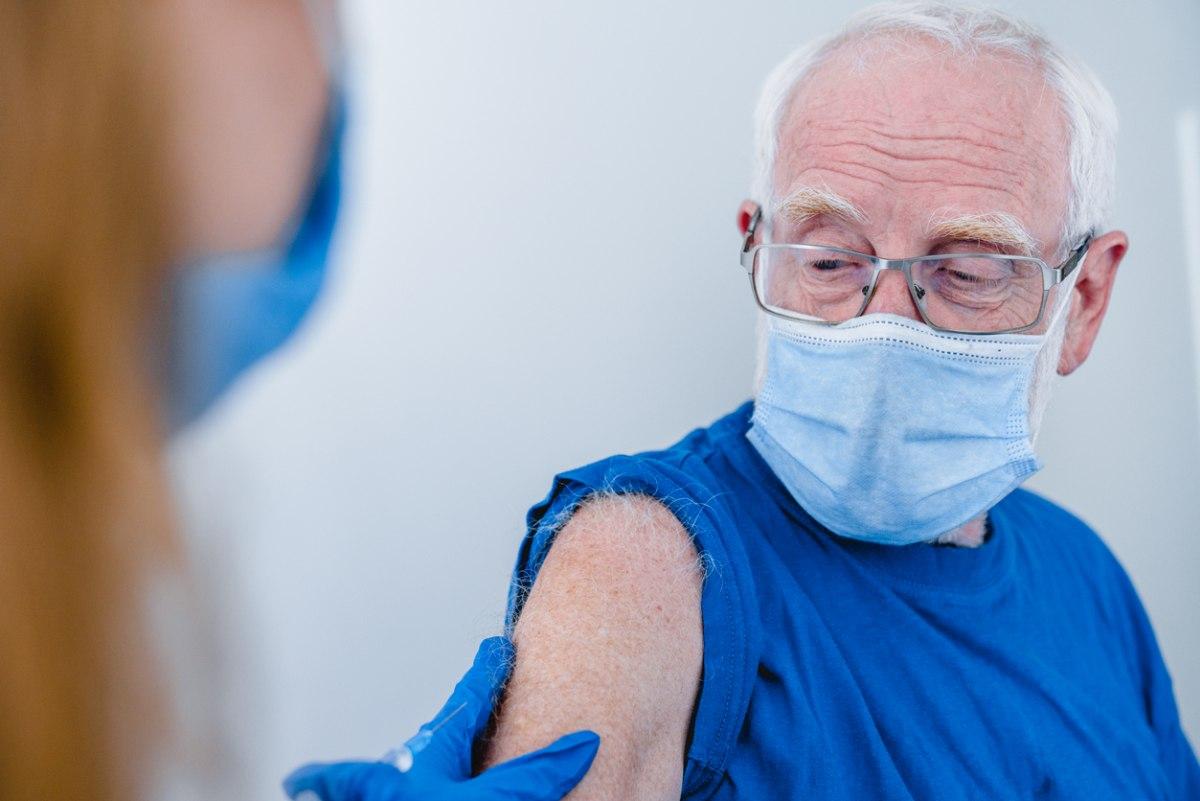 Trzecia dawka szczepionki przeciwko Covid-19. Dla kogo, jakie terminy? - Zdjęcie główne