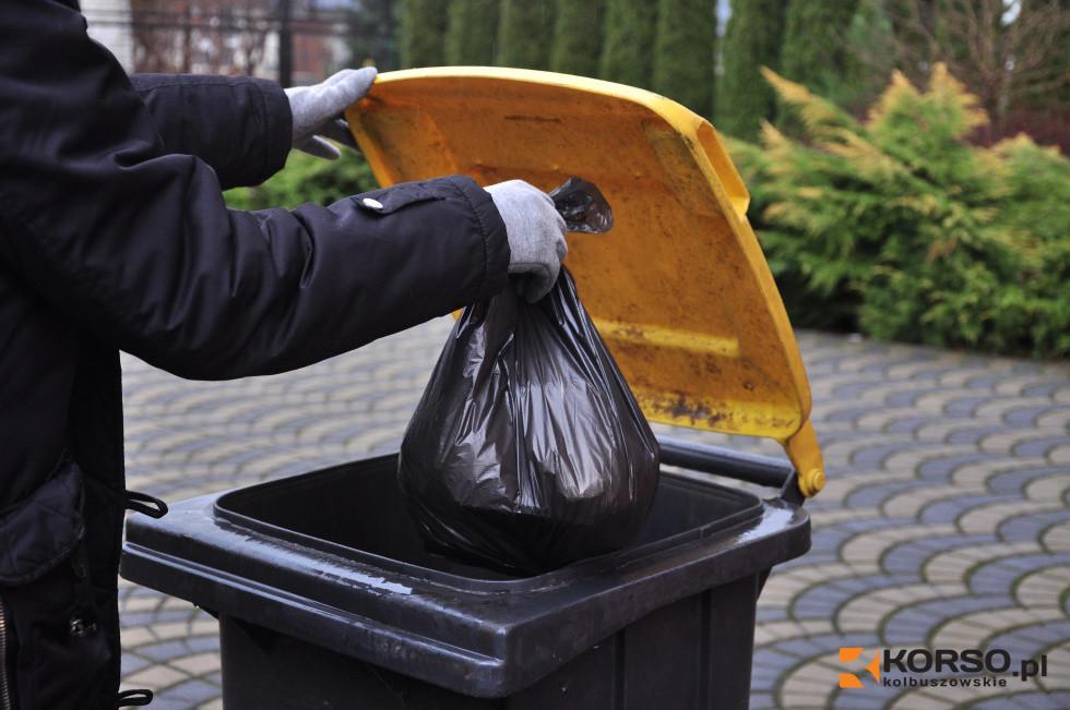 Uwaga, zmiany. Nowe terminy odbioru śmieci [HARMONOGRAM] - Zdjęcie główne