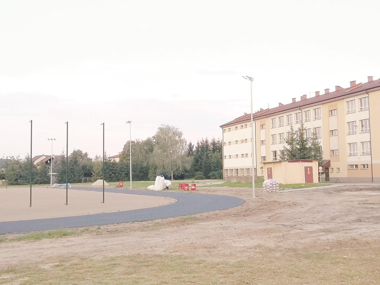 Kolbuszowa. Powstaje kompleks lekkoatletyczny przy Liceum Ogólnokształcącym w Kolbuszowej - Zdjęcie główne