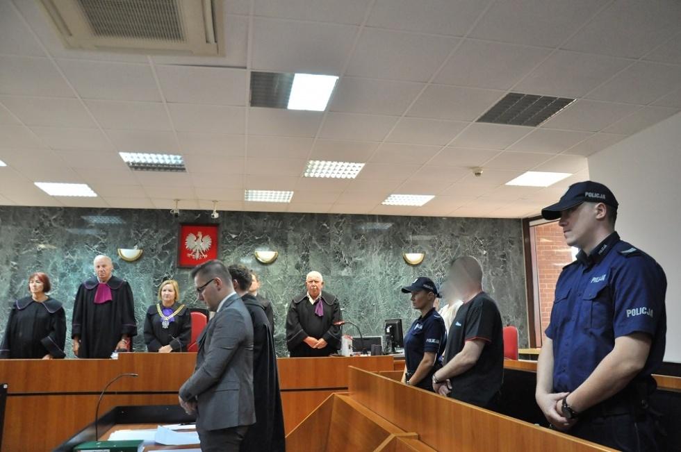 Zeznania matki i kochanek oskarżonego o brutalne zabójstwo w Mielcu - Zdjęcie główne