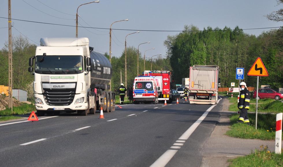 Kolbuszowa Górna: Zderzenie ciężarówki z osobówką [ZDJĘCIA] - Zdjęcie główne