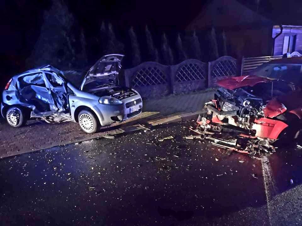 Groźny wypadek na krajowej dziewiątce w Majdanie Królewskim [ZDJĘCIA] - Zdjęcie główne
