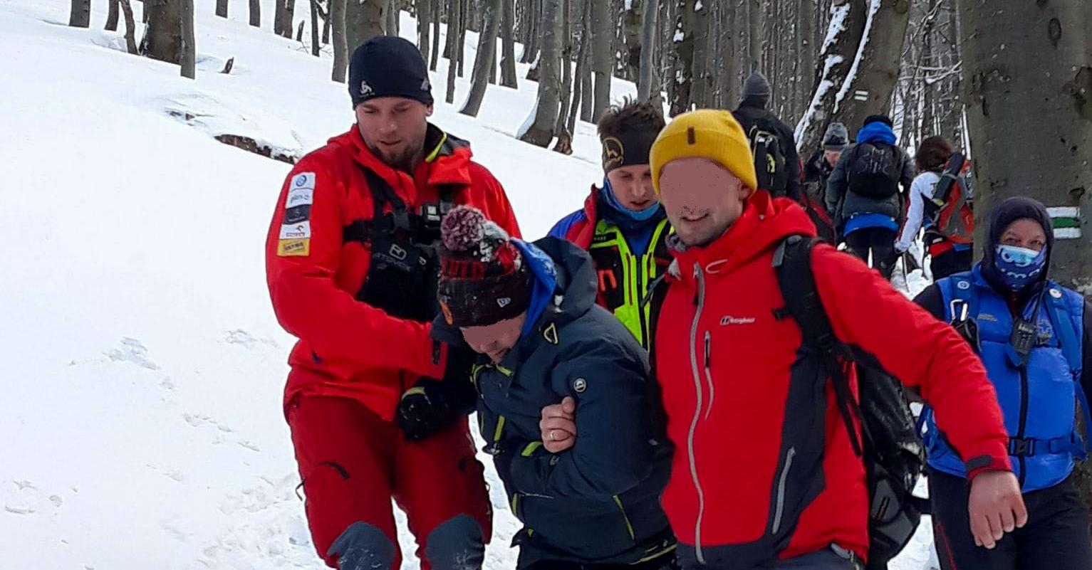 GOPR ratował pijanych mężczyzn w górach. Nie mogli chodzić o własnych siłach - Zdjęcie główne