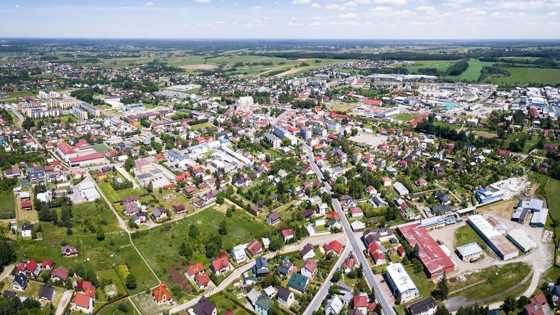 Portal korsokolbuszowskie.pl o zadowoleniu z życia w gminach - Zdjęcie główne