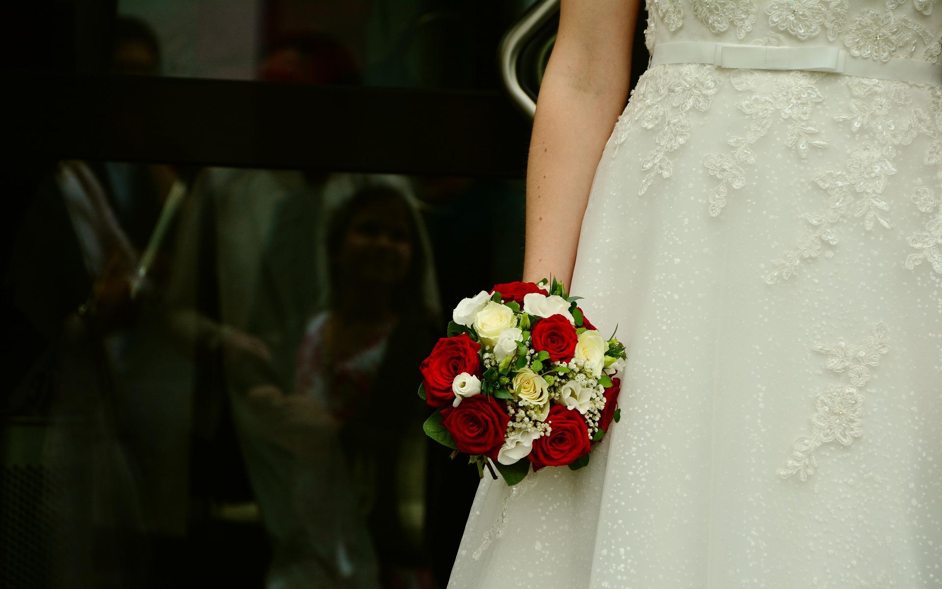 Oszukane mieszkanki powiatu kolbuszowskiego na... suknie ślubne - Zdjęcie główne