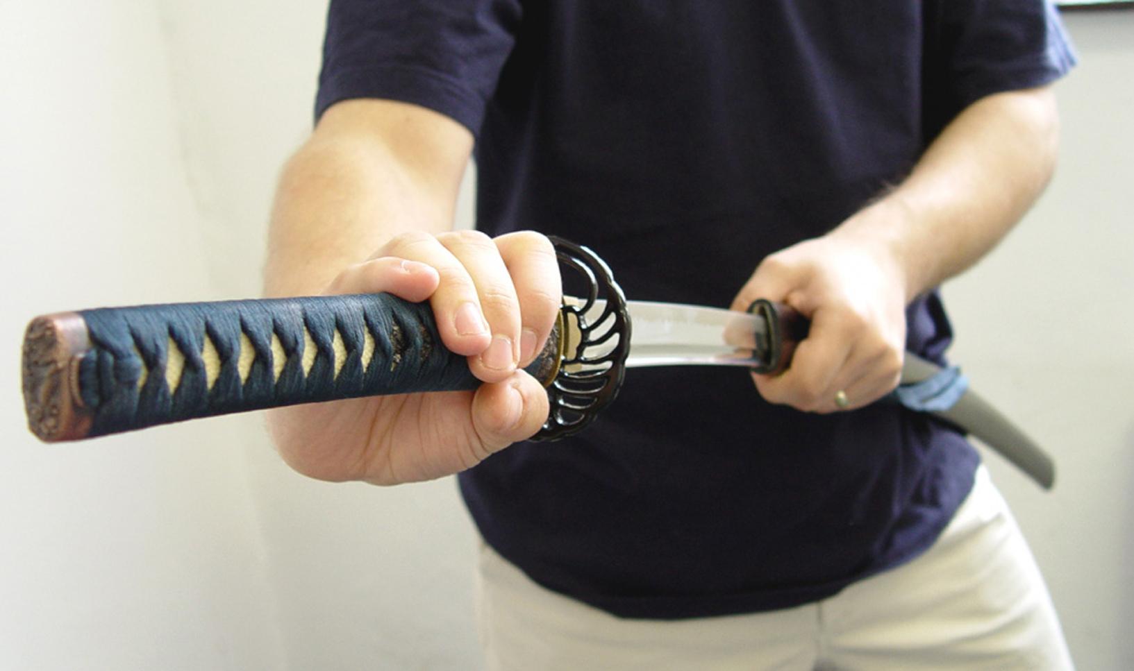 Z PODKARPACIA. Mężczyzna zaatakowany mieczem samurajskim - Zdjęcie główne