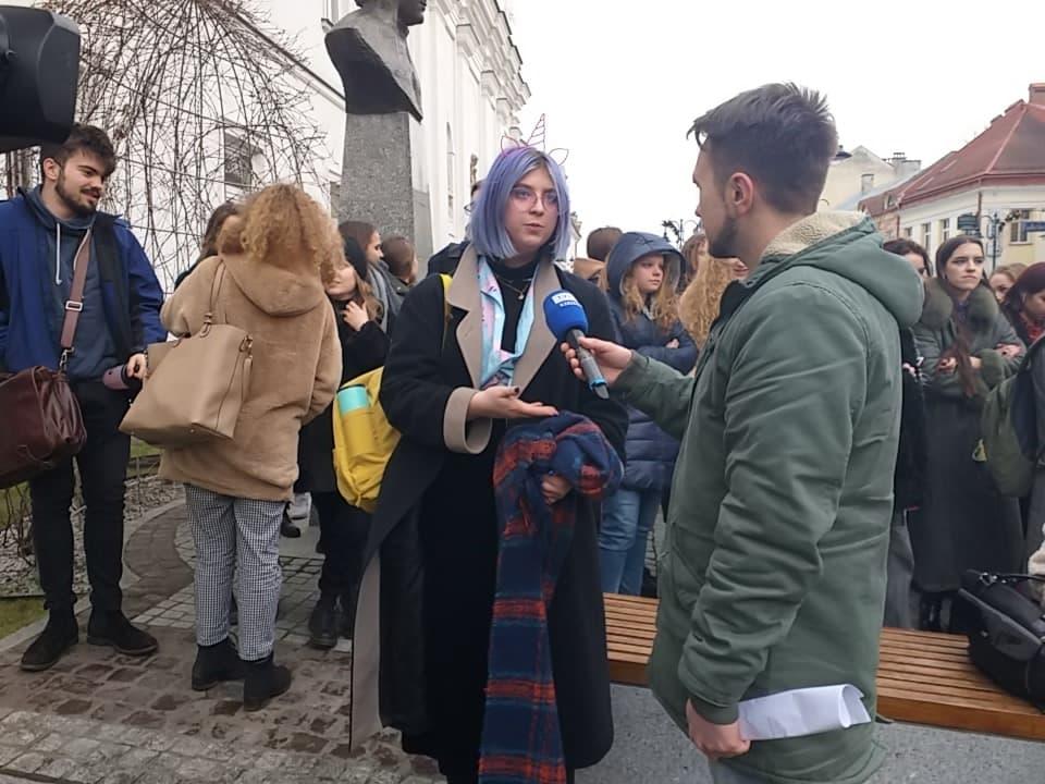 Protest w rzeszowskim LO. Kto ma rację?  - Zdjęcie główne