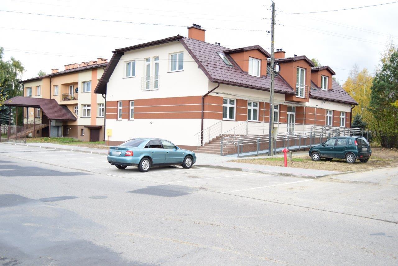 Gmina Cmolas negocjuje z ewentualnymi specjalistami, którzy mieliby pracować w placówce - Zdjęcie główne