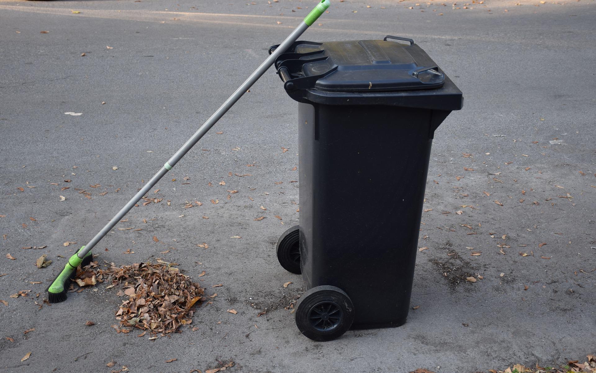 Gmina Majdan Królewski. To już pewne. Mieszkańcy gminy będą od nowego roku płacić za odbiór śmieci więcej niż dotychczas - Zdjęcie główne