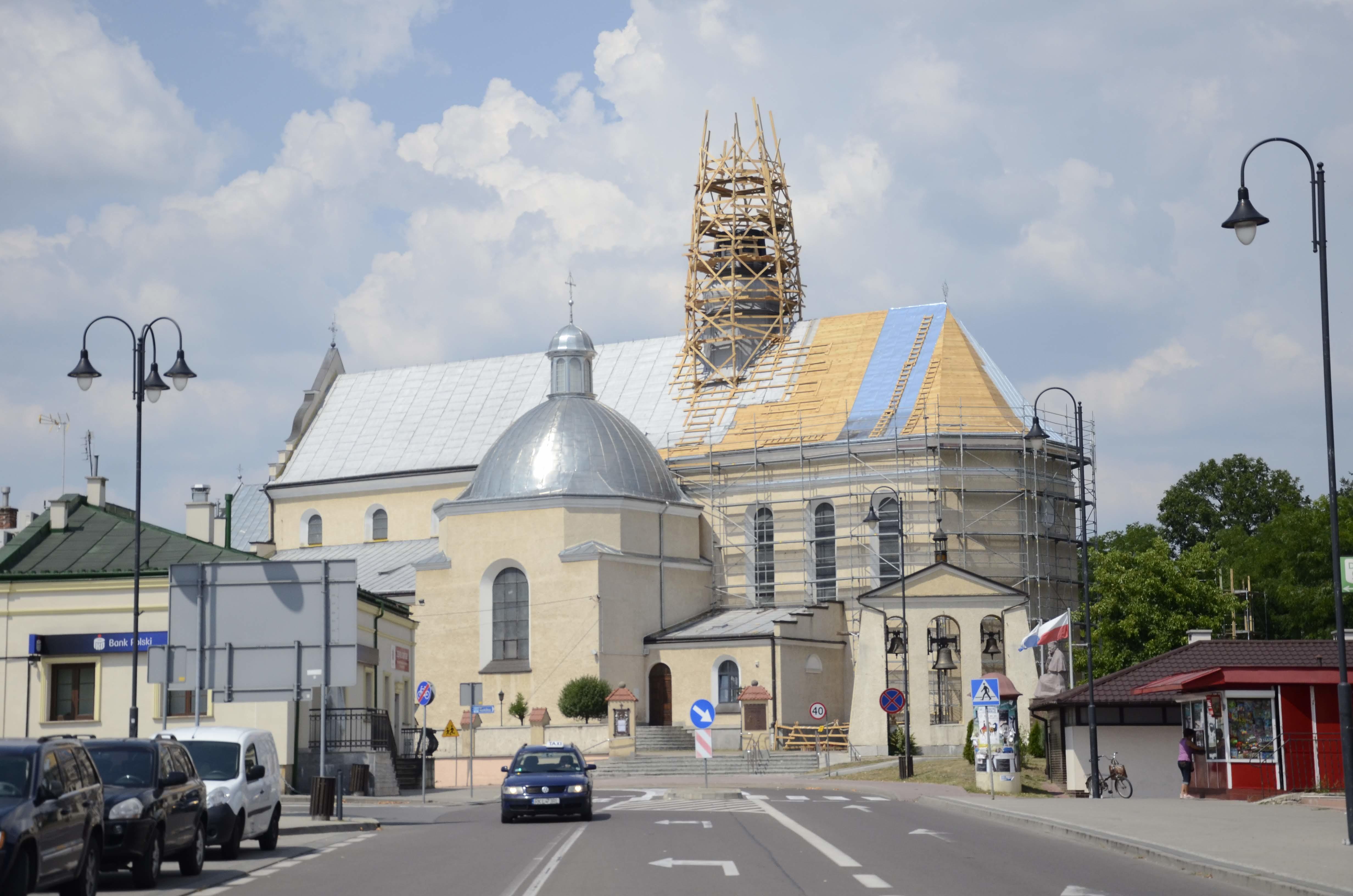 Trwa drugi etap wymiany dachu na świątyni w Kolbuszowej - Zdjęcie główne