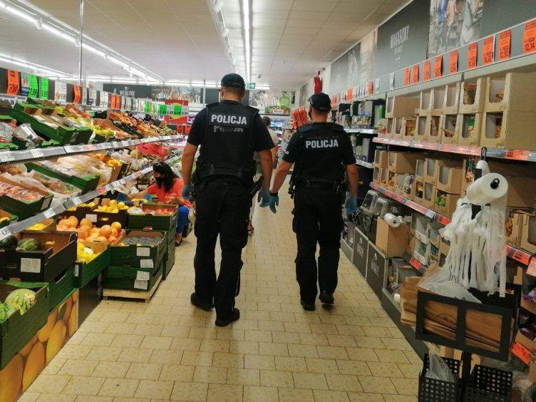Policjanci z Kolbuszowej karzą za brak maseczki i nie tylko  - Zdjęcie główne