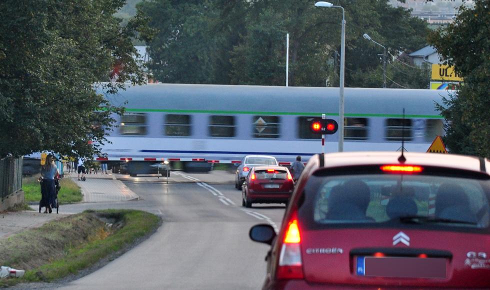 Jest przetarg na elektryfikację linii kolejowej przez Kolbuszową. W 2021 roku podróż pociągiem z Rzeszowa do Warszawy ma zająć mniej czasu - Zdjęcie główne