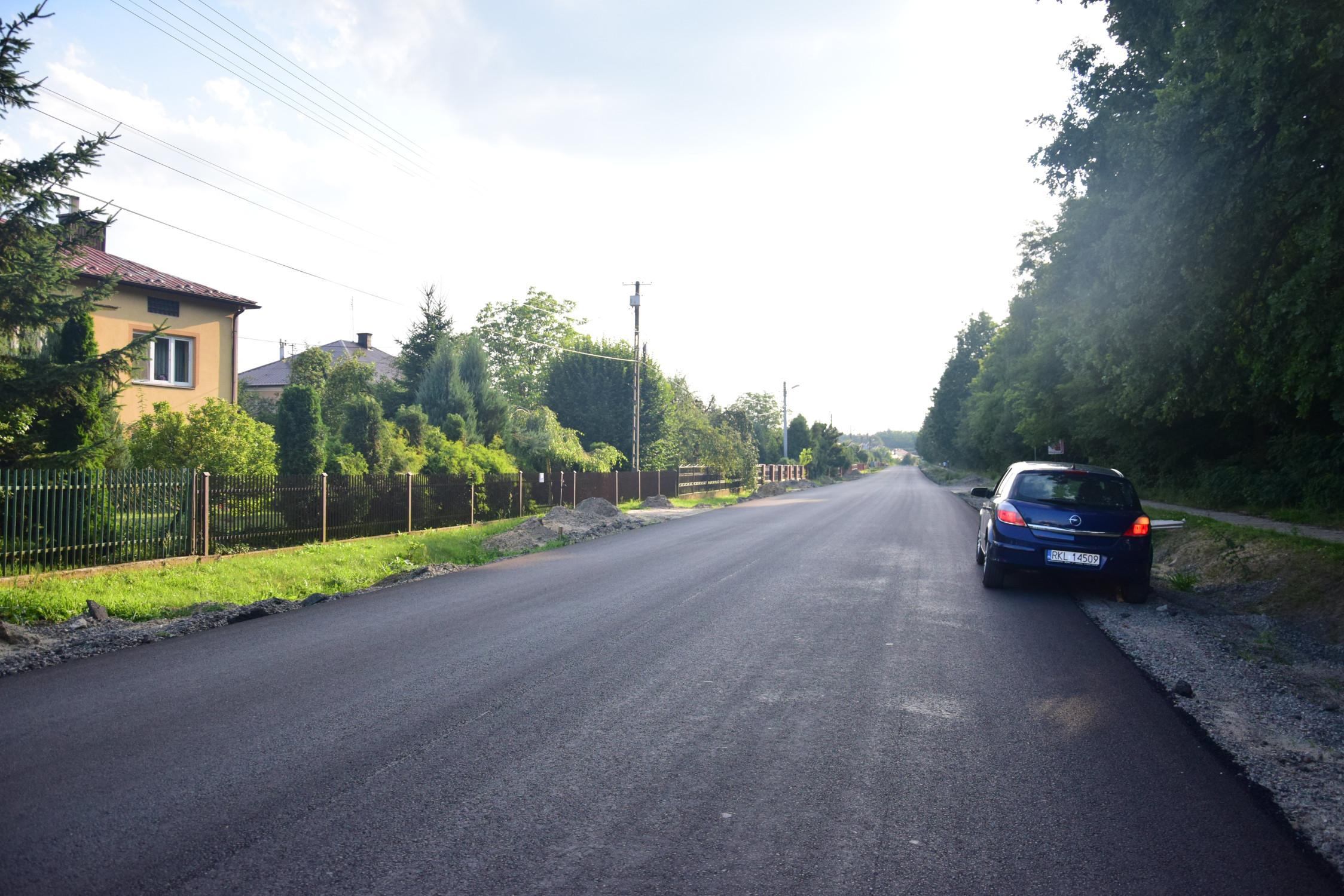 Gmina Raniżów. Gminni radni żalą się do marszałka. Mają uwagi do trwającego remontu odcinka drogi wojewódzkiej, przebiegającego przez ich teren  - Zdjęcie główne