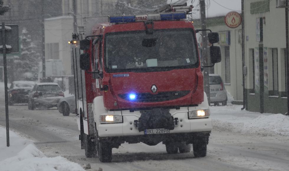 Strażacy ruszyli na pomoc. Poprosili ich o to ratownicy  - Zdjęcie główne